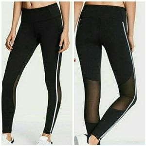 Victoria Sport Knockout Tight / Leggings NWT xs